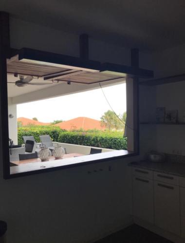 Boca Gentil Keuken uitzicht appartement Sunrise 9